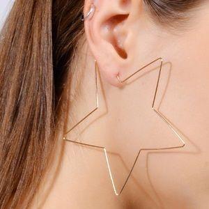 UO | ⭐️ Star Hoop Earrings | Gold